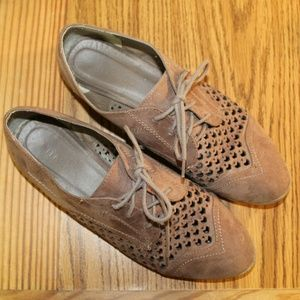 Tan Oxfords with Cutout Design